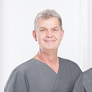 Dr. Burkhard Schürer: Zahnarzt in Falkensee